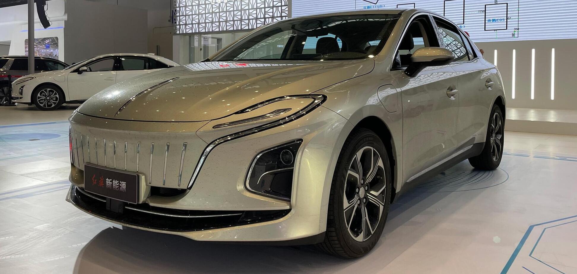 Китайський Hongqi презентував новий електричний седан