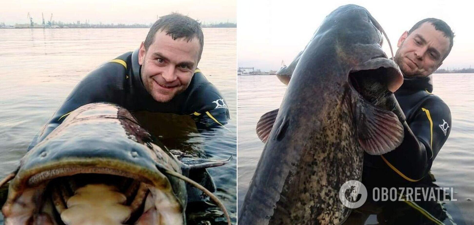 В Днепре рыбак руками поймал огромного сома