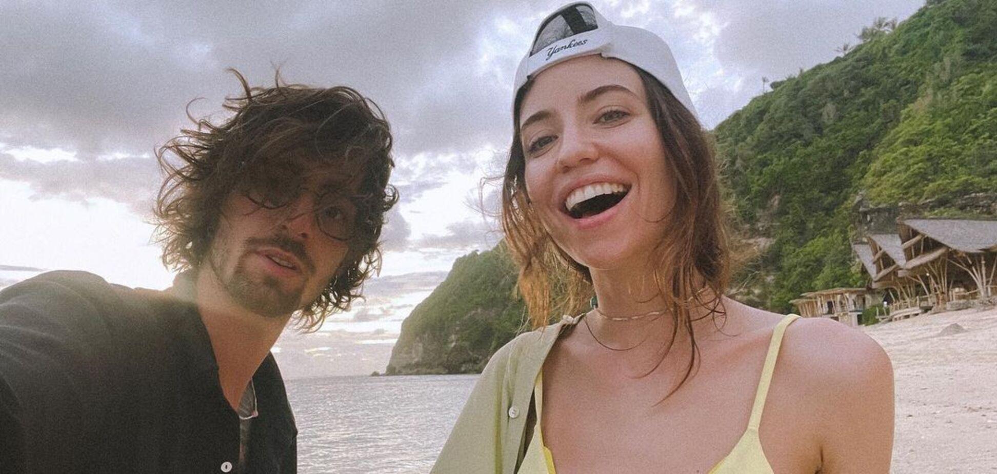 Дорофеева и Дантес удивили 'опасным' снимком на фоне популярного водопада на Бали