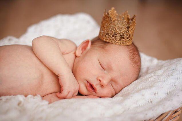 Коли краще давати ім'я новонародженій дитині: у ПЦУ дали відповідь