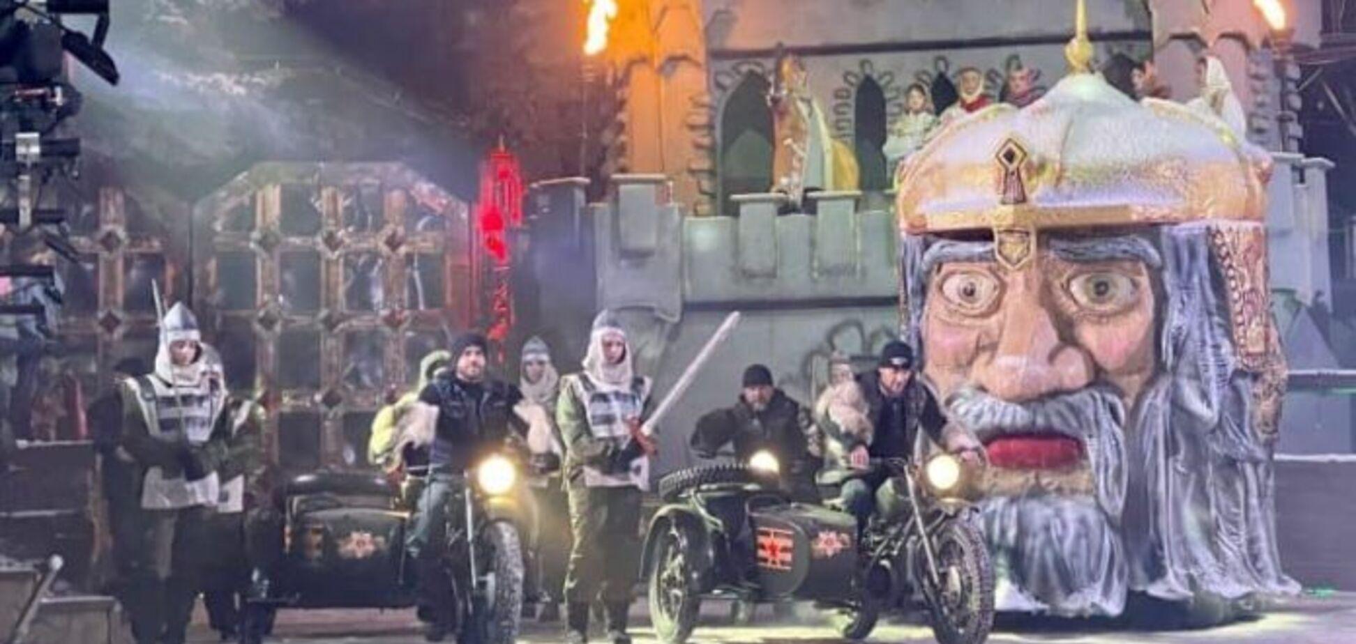 Как 'ополченцы' в лаптях и камуфляже спасали Новый год в Луганске