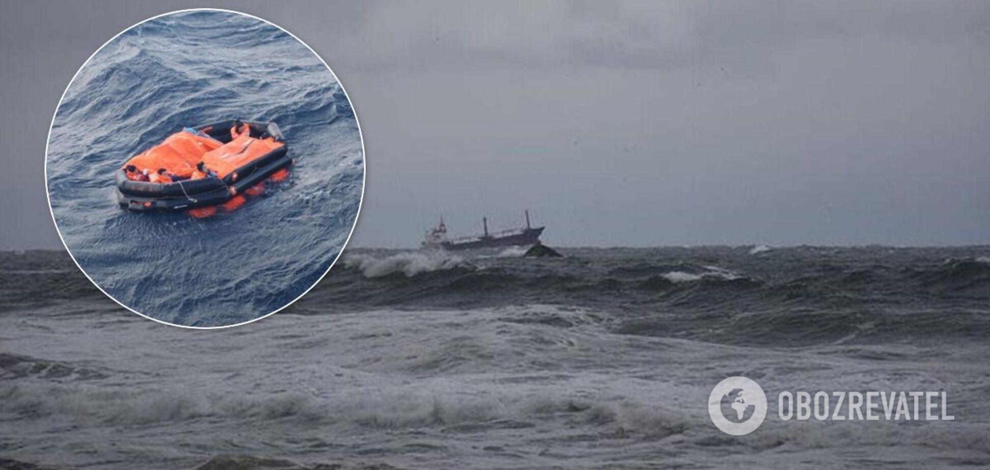 Суховантаж із РФ затонув біля берегів Туреччини