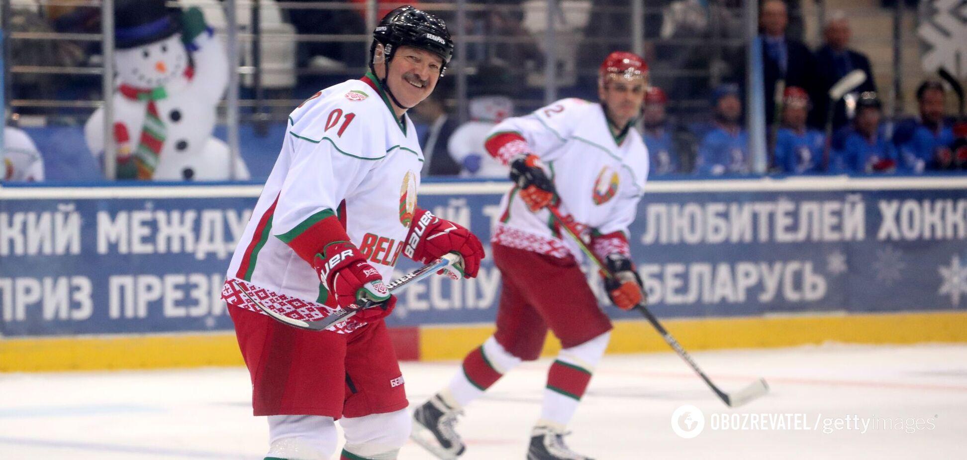 Александр Лукашенко на льду