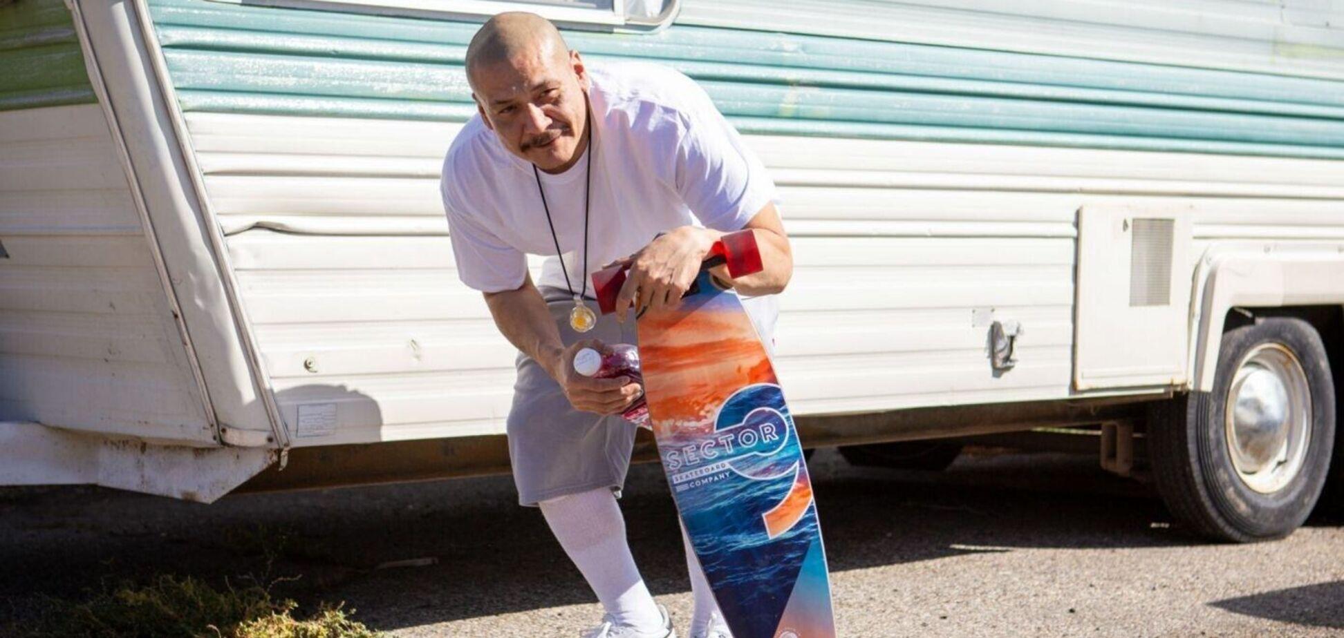 Зірка TikTok 'на скейтборді' виступить на інавгурації Байдена
