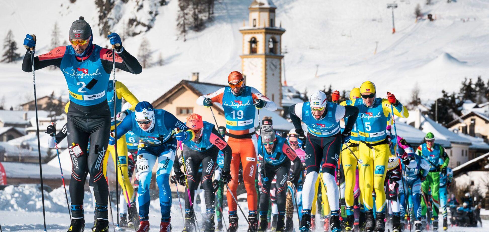Лыжники во время заезда на марафоне La Diagonela