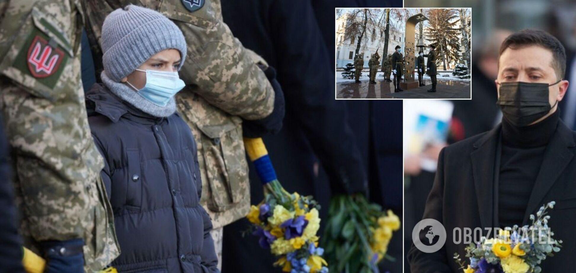 Зеленський вшанував пам'ять 'кіборгів'