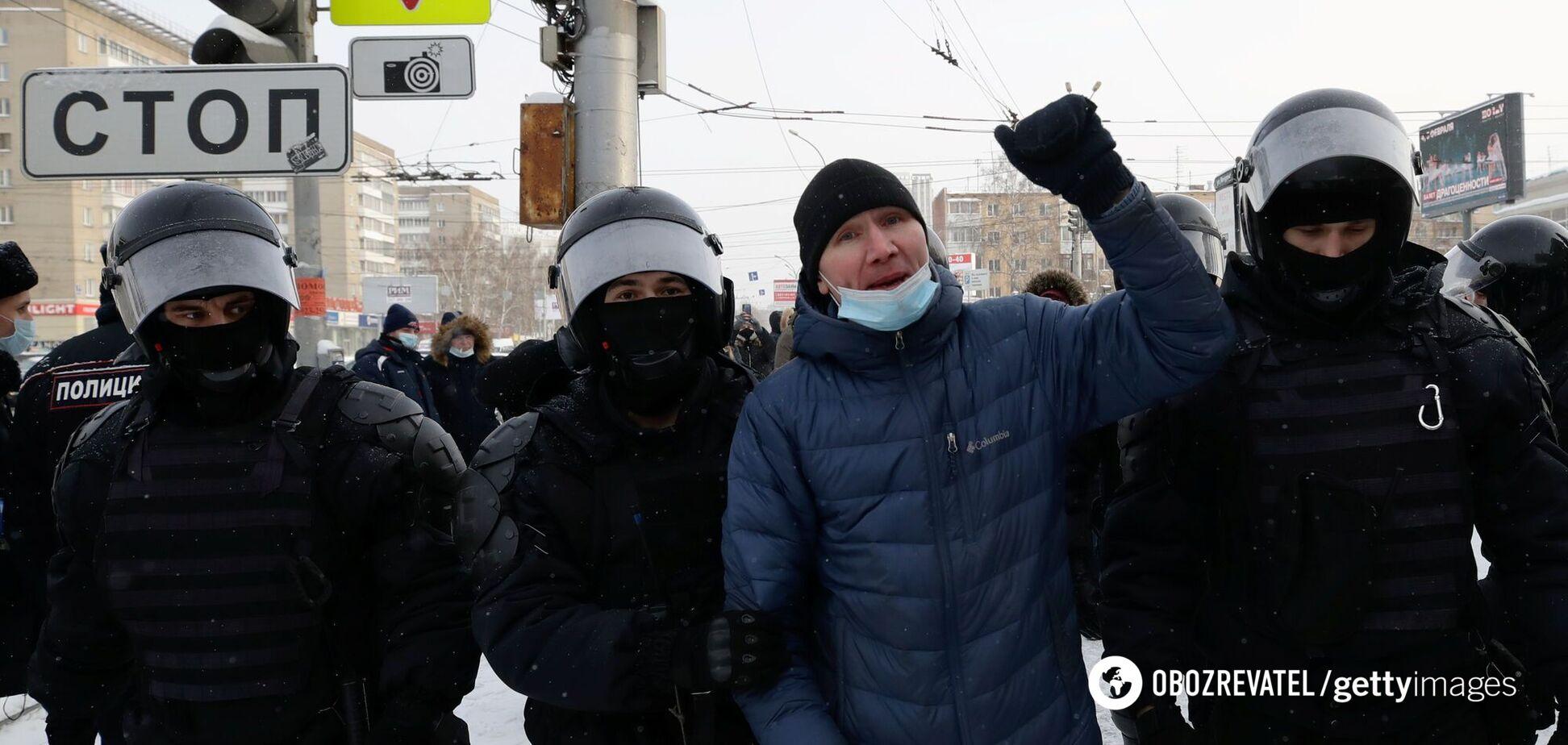 'Ми тут влада, Путіне, йди геть'! З'явилися відео протестів з усіх куточків Росії