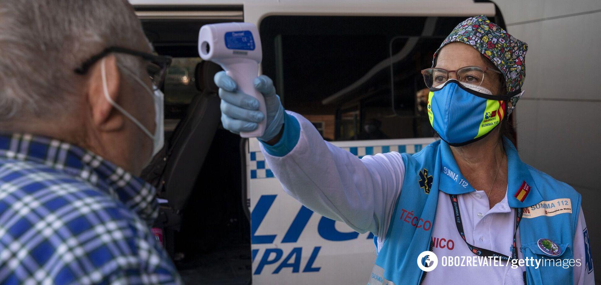 В Іспанії чиновників запідозрили у позачерговій вакцинації від COVID-19