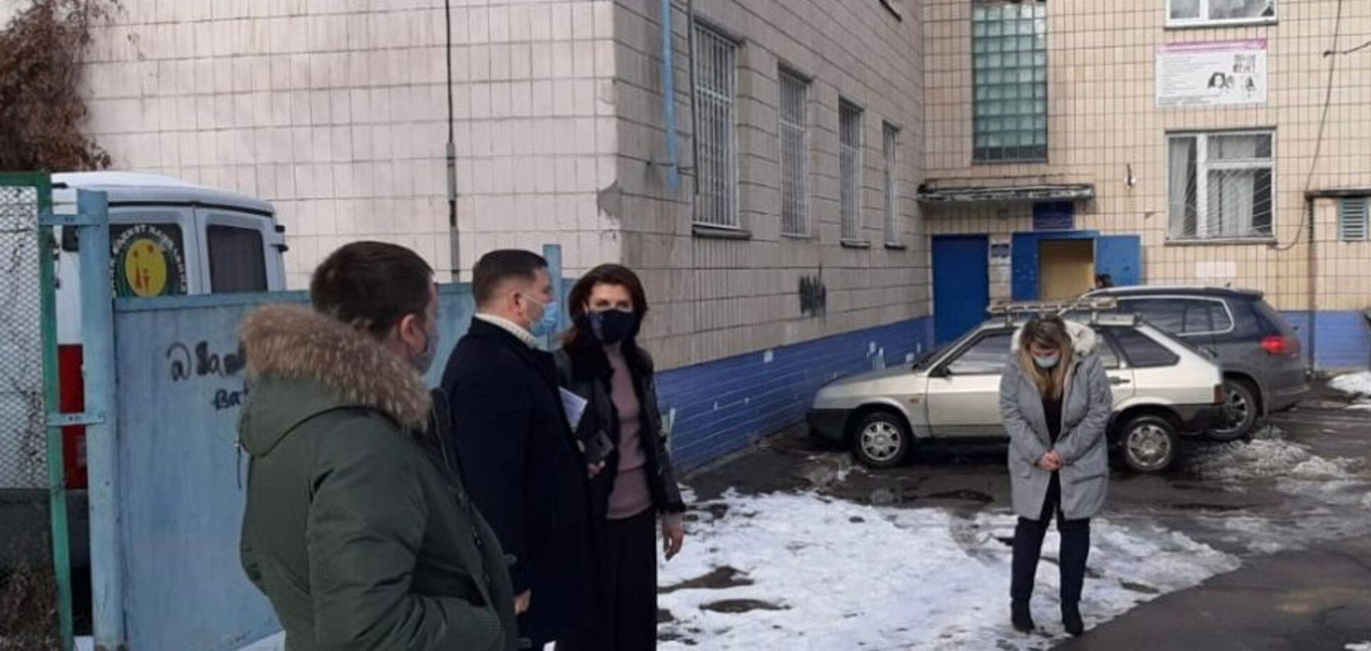 Лидер команды «Европейской Солидарности» в Киевском городском совете Марина Порошенко на рабочей встрече в Центре социально-психологической реабилитации детей и молодежи