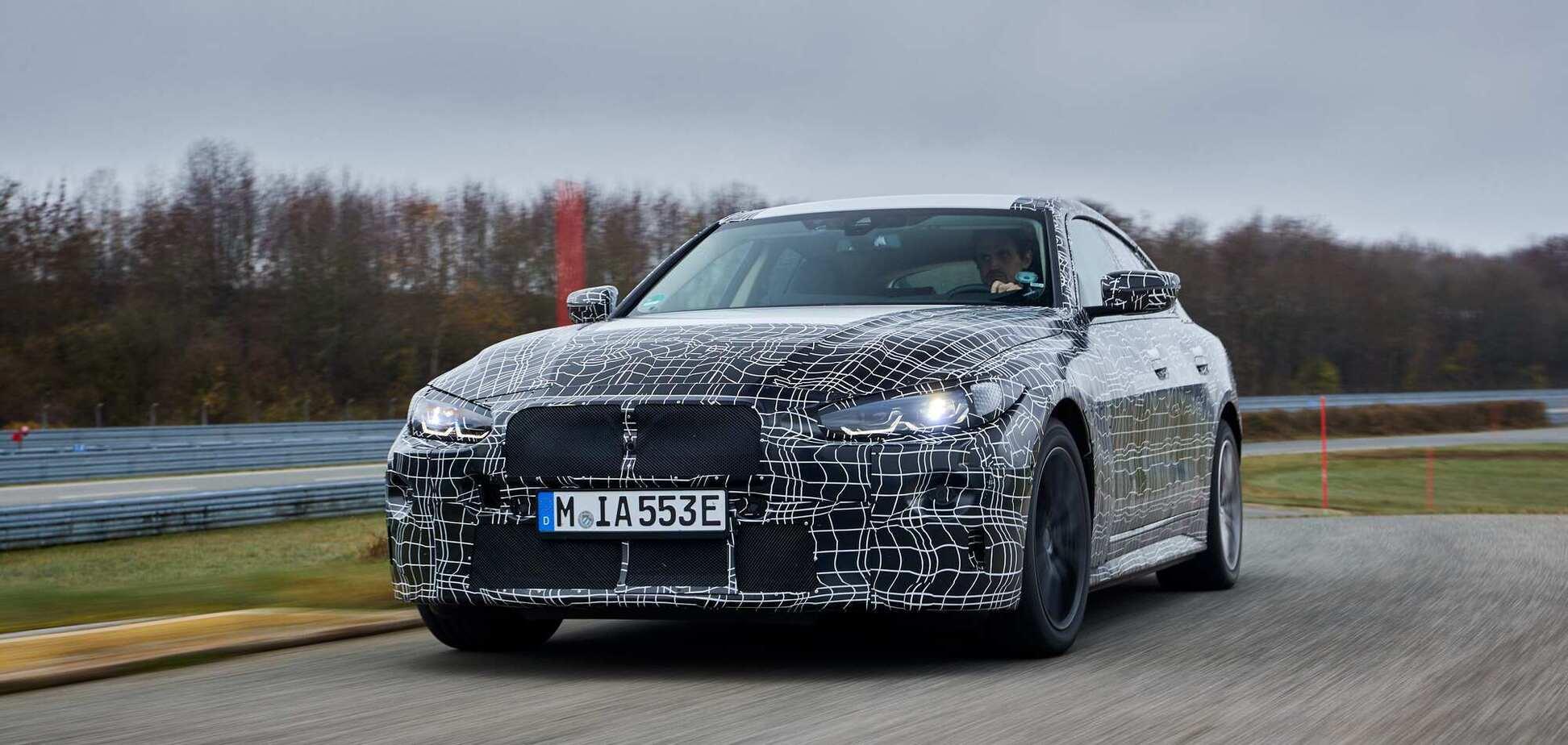 BMW показала, как ездит новый спортивный электроседан i4