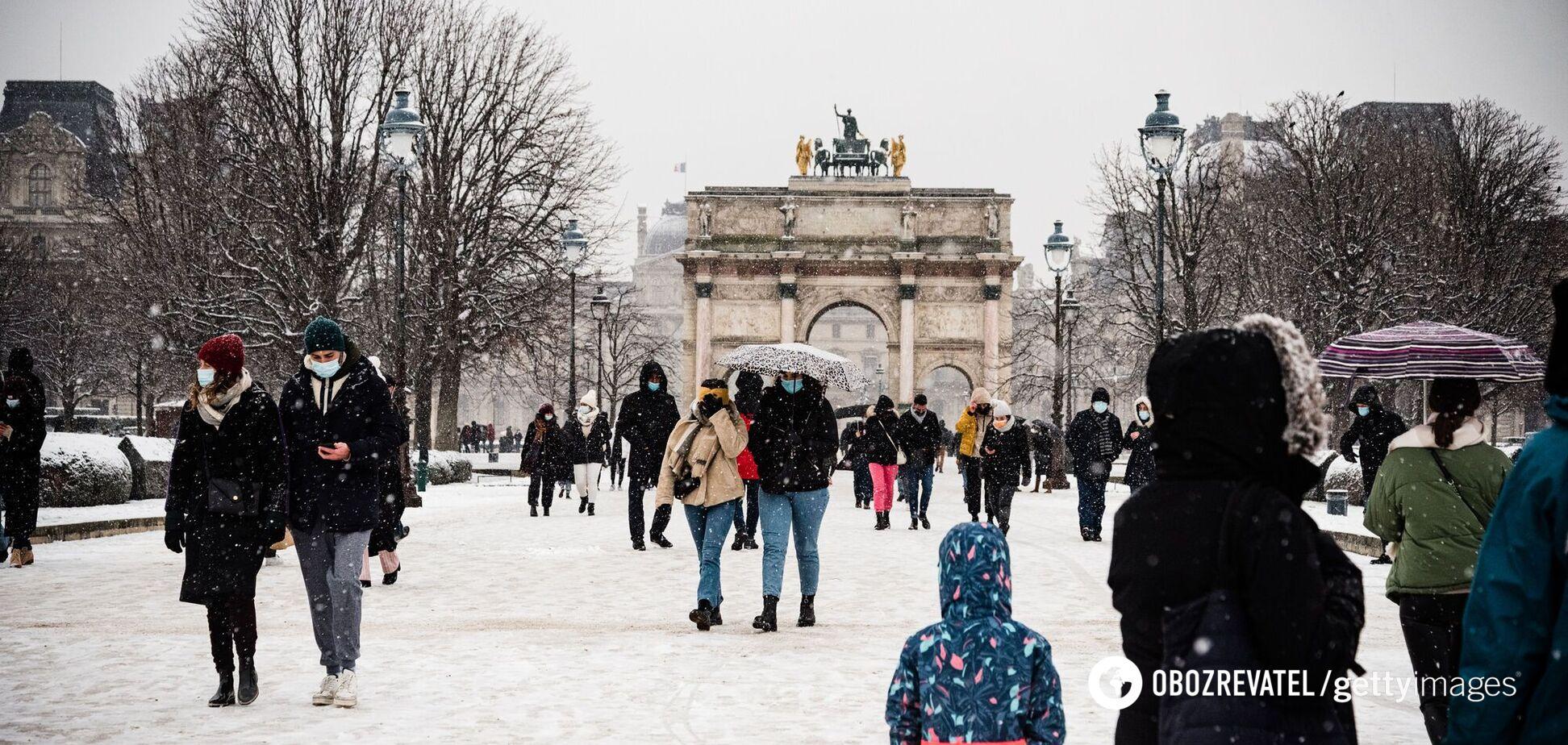 Франция запретила носить самодельные маски в общественных местах