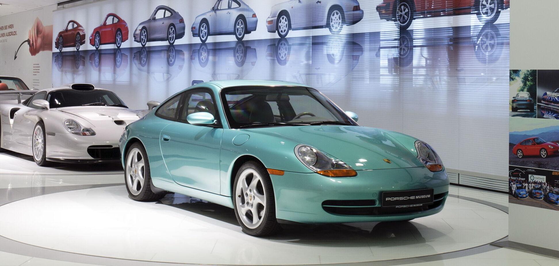 На видео показали единственный в мире бронированный Porsche 911