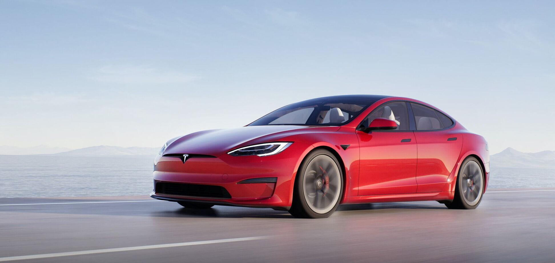 Tesla презентовала самый динамичный автомобиль в мире