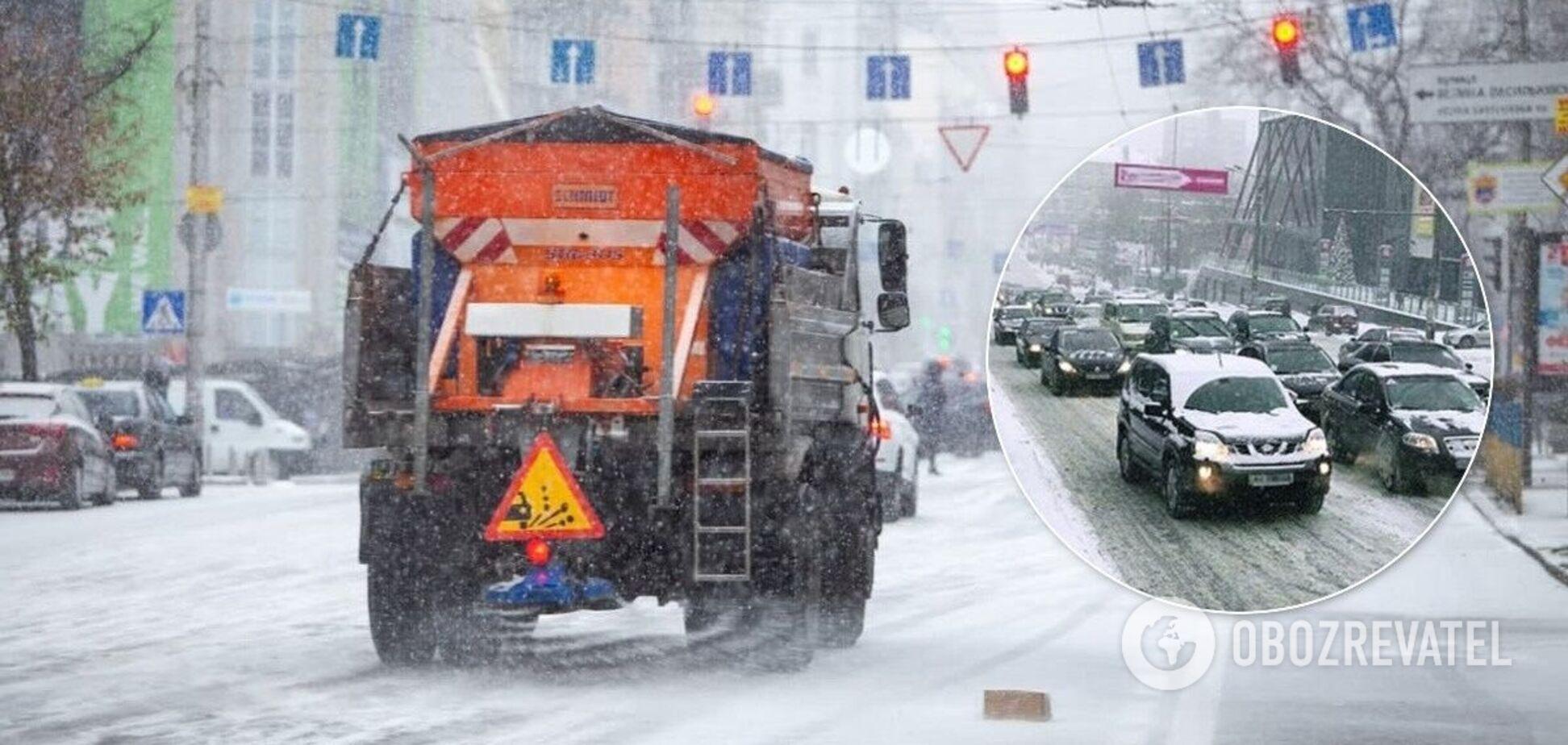 Для уборки снега задействовано 359 единиц спецтехники