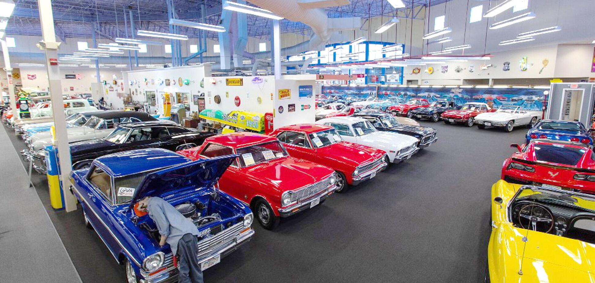 На аукционе в США выставили крупнейшую частную коллекцию muscle car