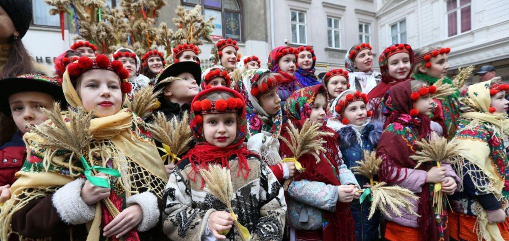 Колядовать в Украине принято утром в Рождество, 7 января