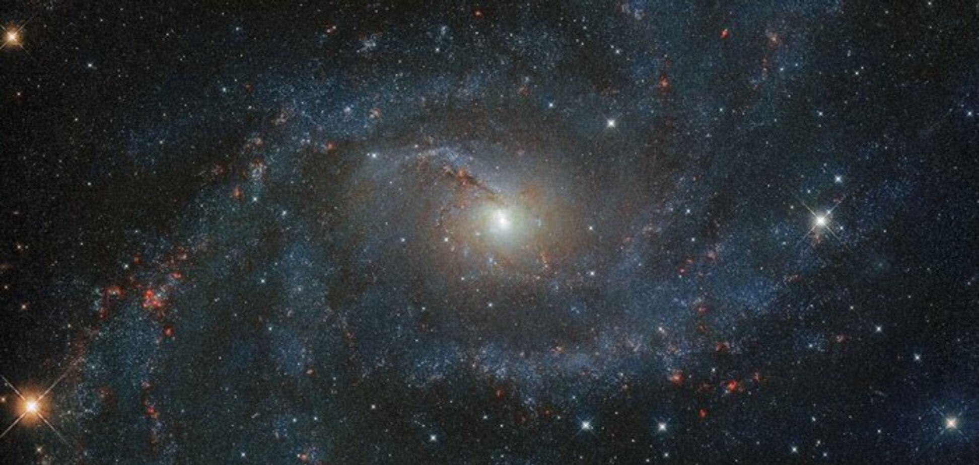 Телескоп Hubble зробив свіжий знімок 'галактики Феєрверк'