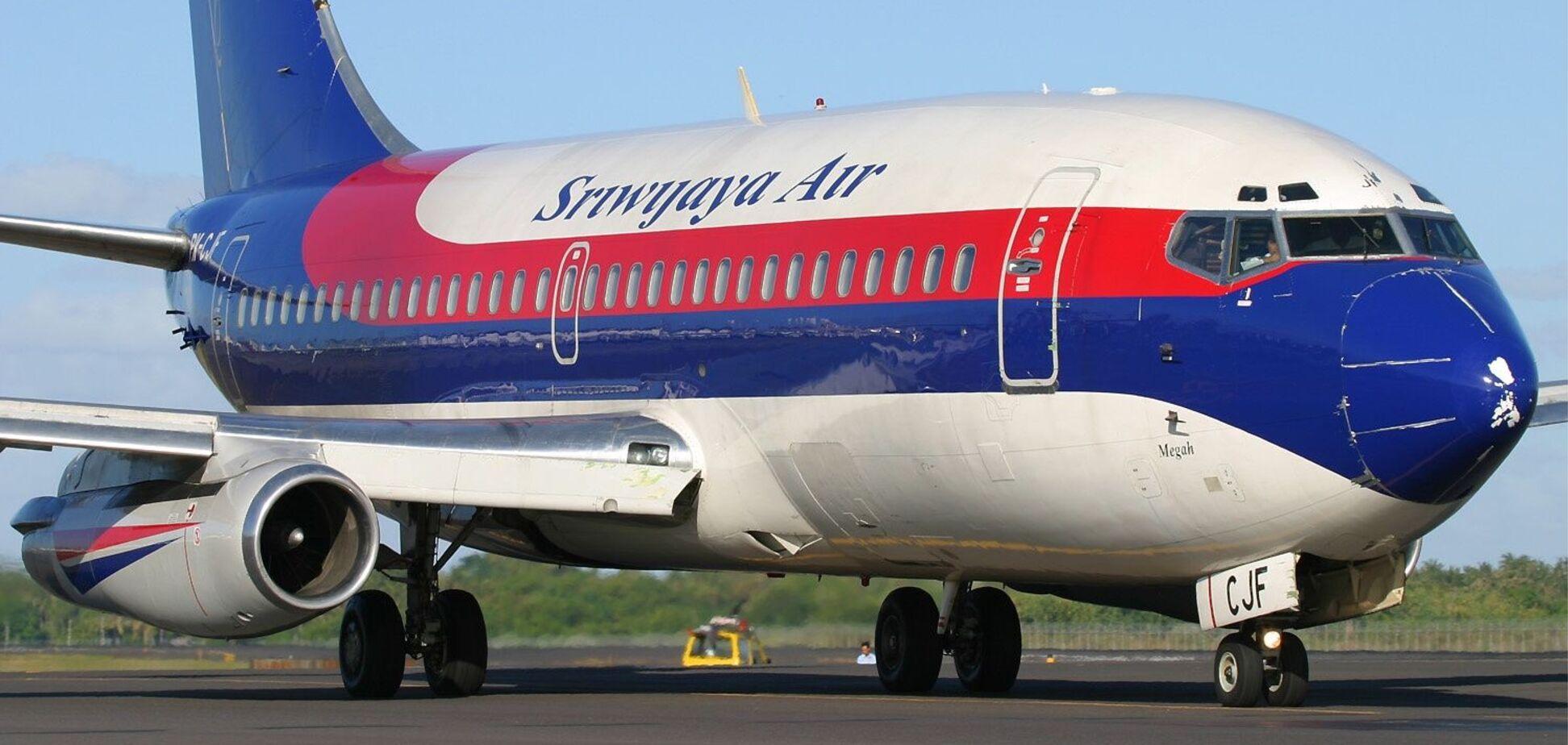 МЗС перевіряє наявність українців на борту літака, що впав у Індонезії