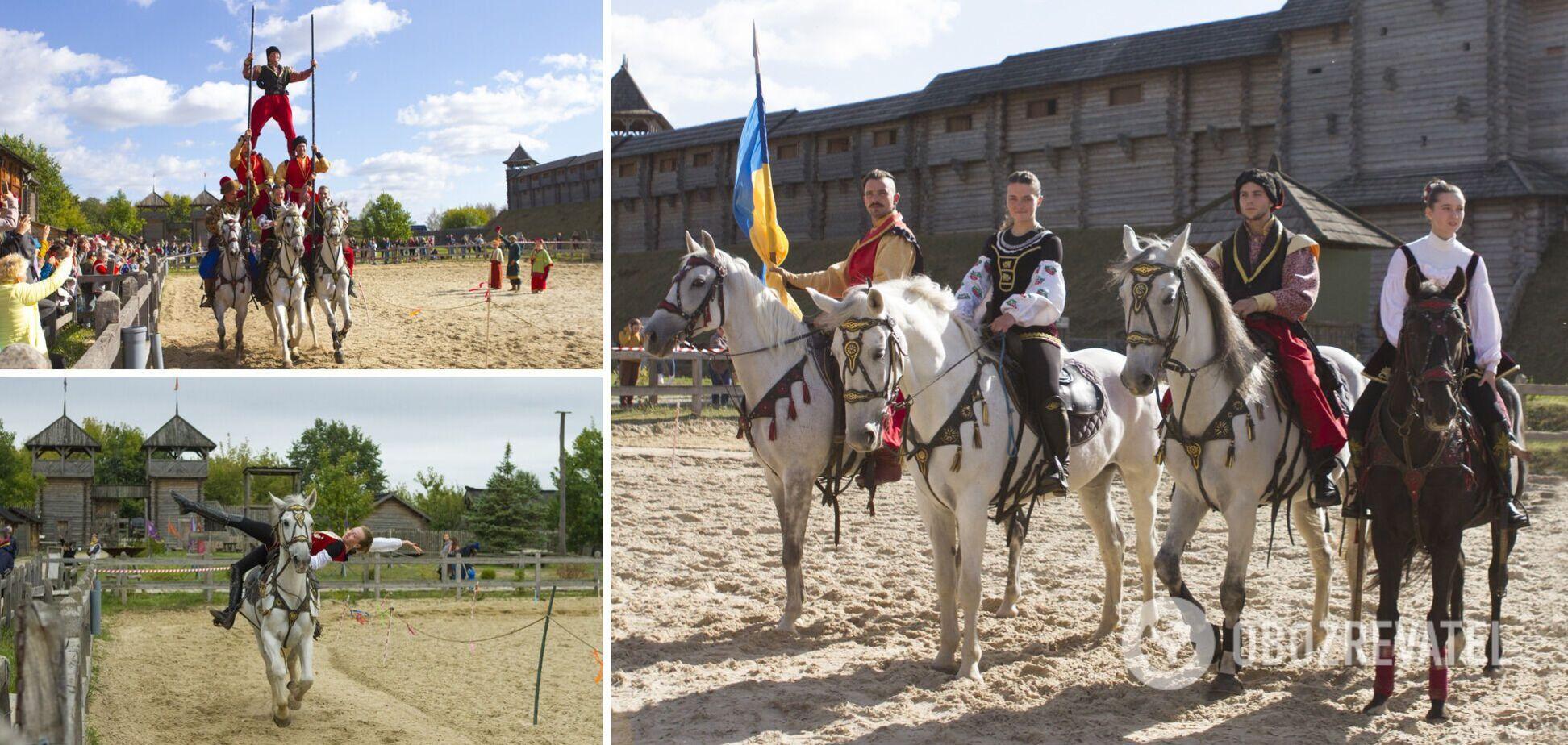 В 'Парке Киевская Русь' состоялся фестиваль конно-трюкового искусства 'Кентавры'. Фото
