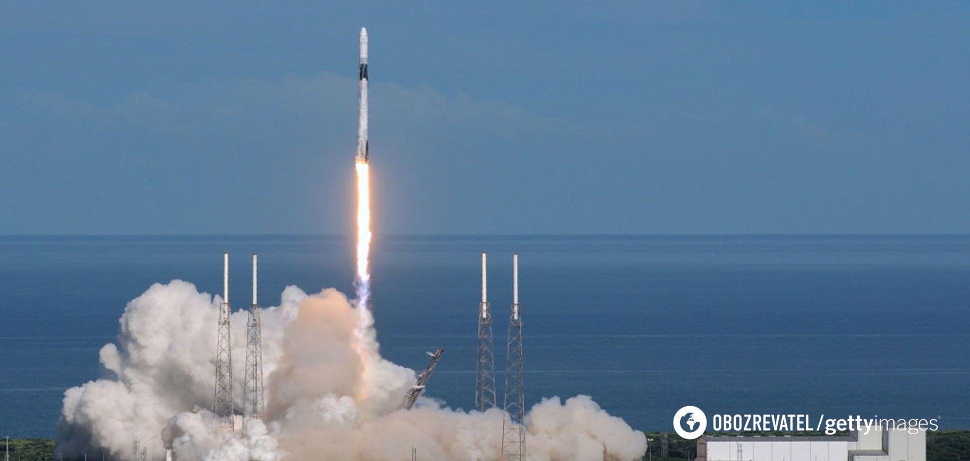 Космический корабль Cargo Dragon успешно приводнился в Атлантике: он доставил две тонны груза