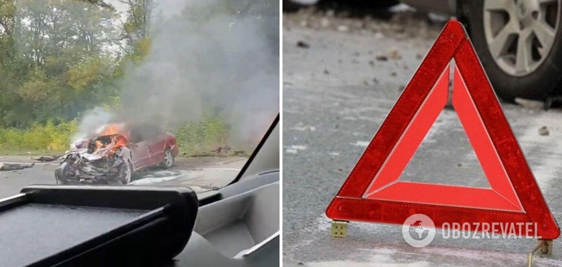 Під Запоріжжям сталася смертельна ДТП, згоріли два авто. Відео