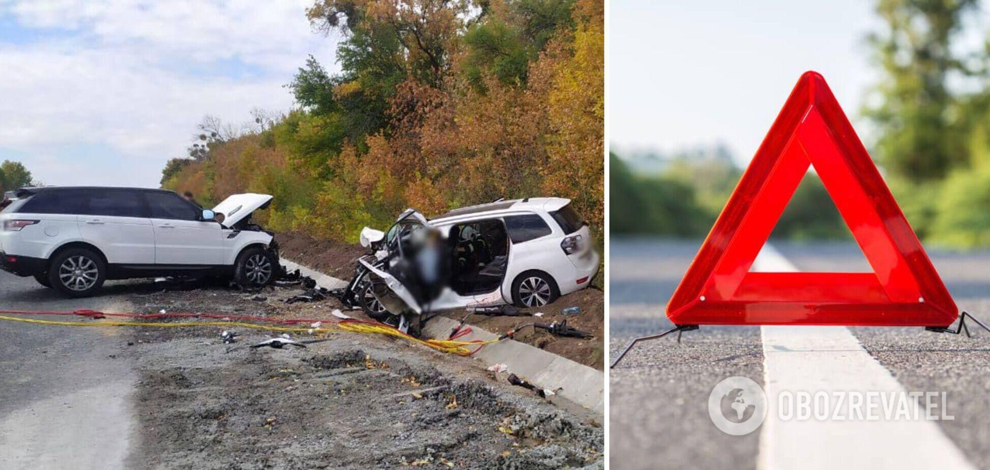 На Черкащині авто вилетіло на зустрічну й влаштувало ДТП: загинули дві людини. Фото