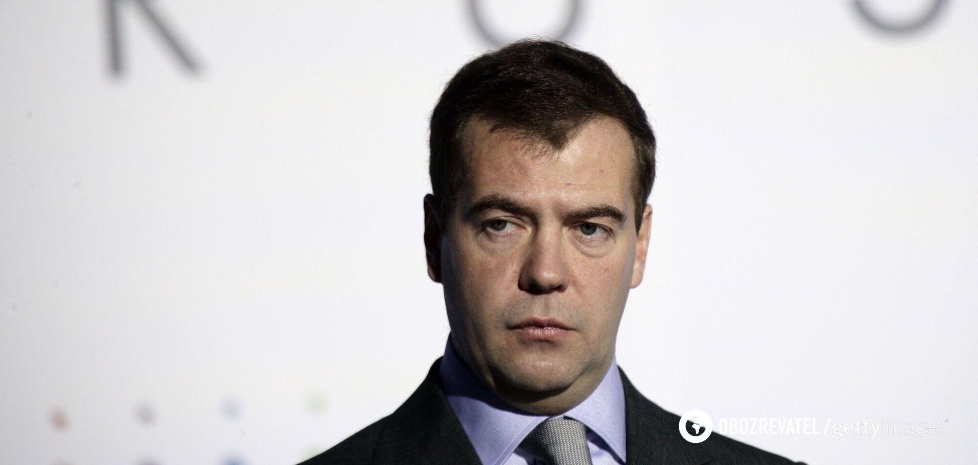 Медведєв 'відзначився' ксенофобською статтею про Україну та образив Зеленського