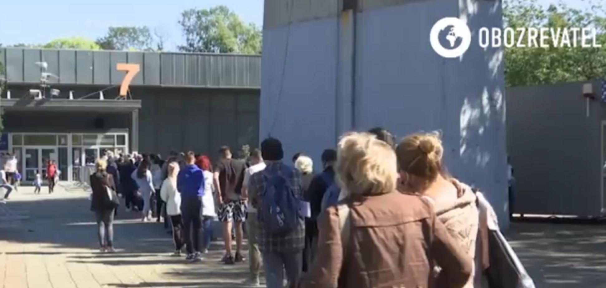 ''Хотим путешествовать'': россияне едут в Сербию за нормальными вакцинами