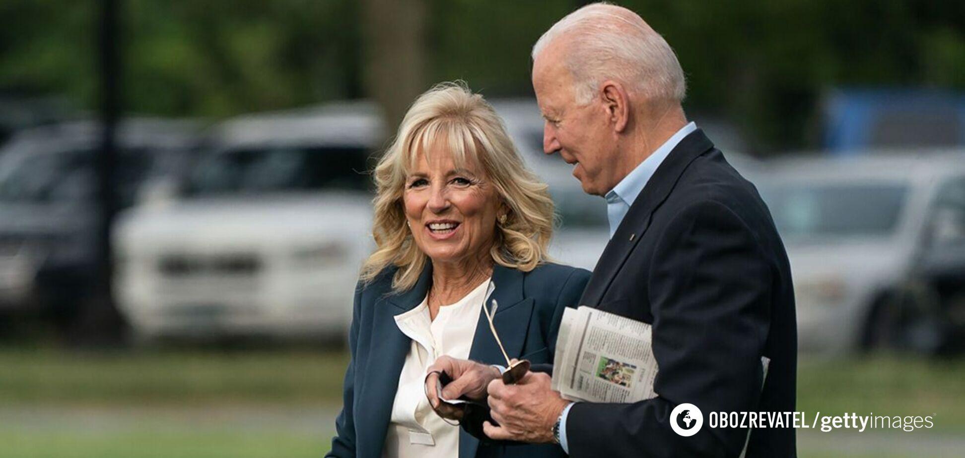 Байден посетил Белый дом с 27-летней внучкой: как она выглядит. Фото