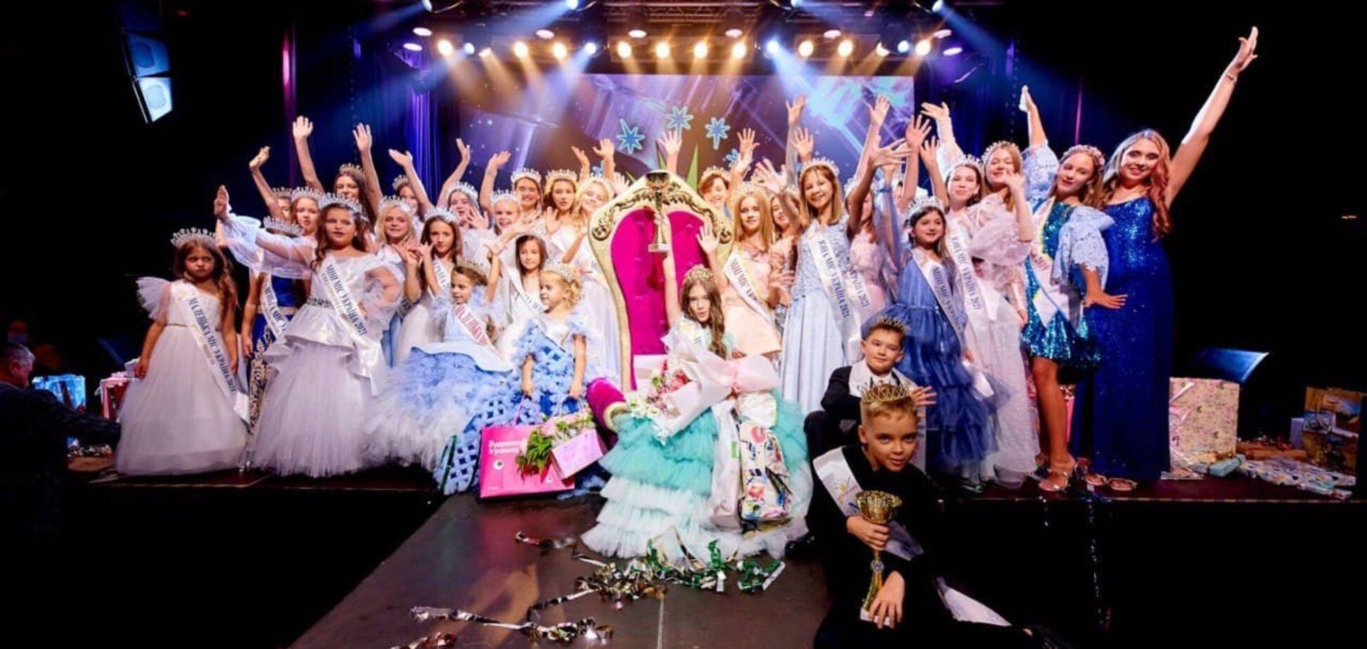 Алиса из страны чудес на балу 'Мини Мисс Украина'
