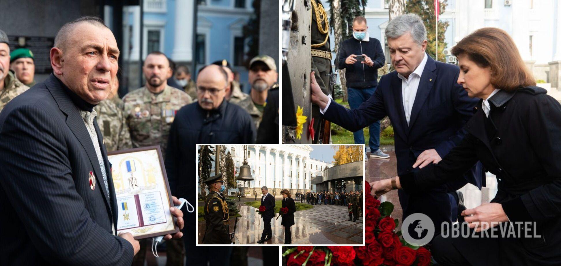 Порошенко вшанував пам'ять захисників, які загинули в боях за Україну