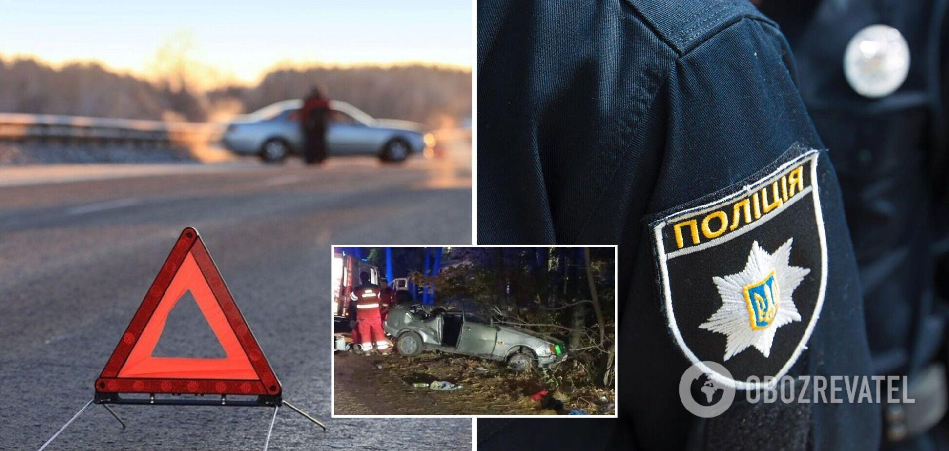 Під Києвом авто перекинулося і влетіло в дерево: загинула пасажирка. Фото
