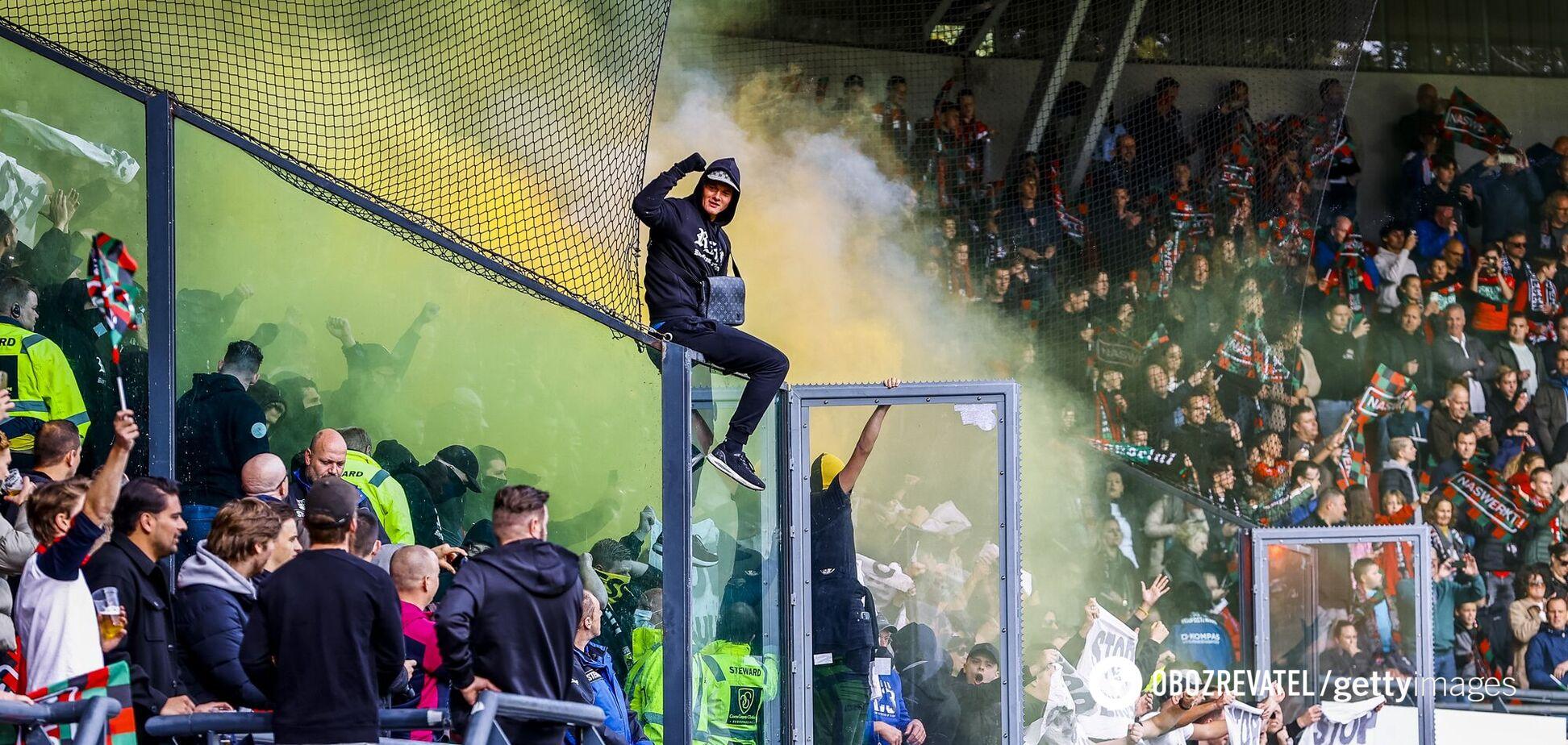 Трибуна з фанатами впала в Нідерландах