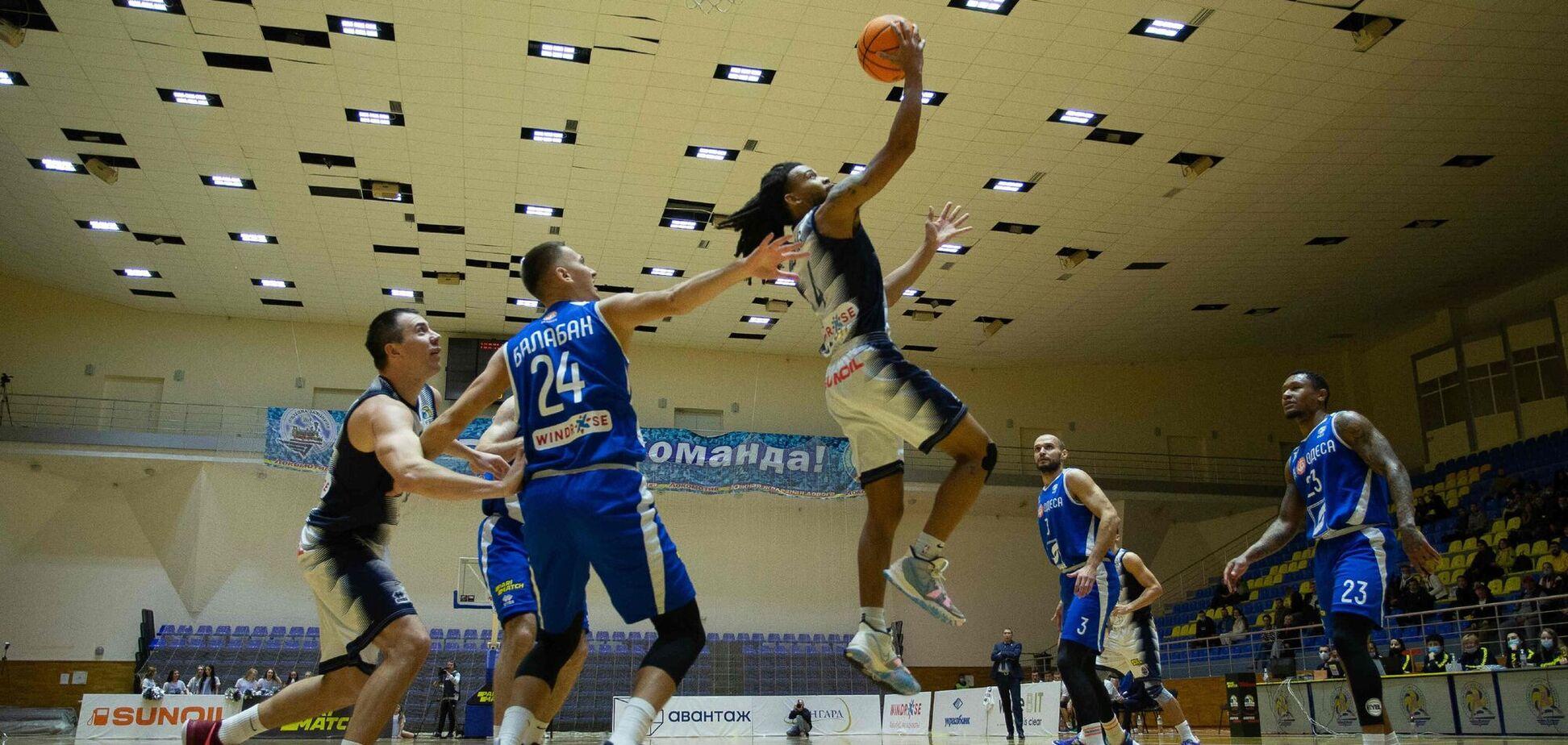 У чемпіонаті України були зіграні три поєдинки