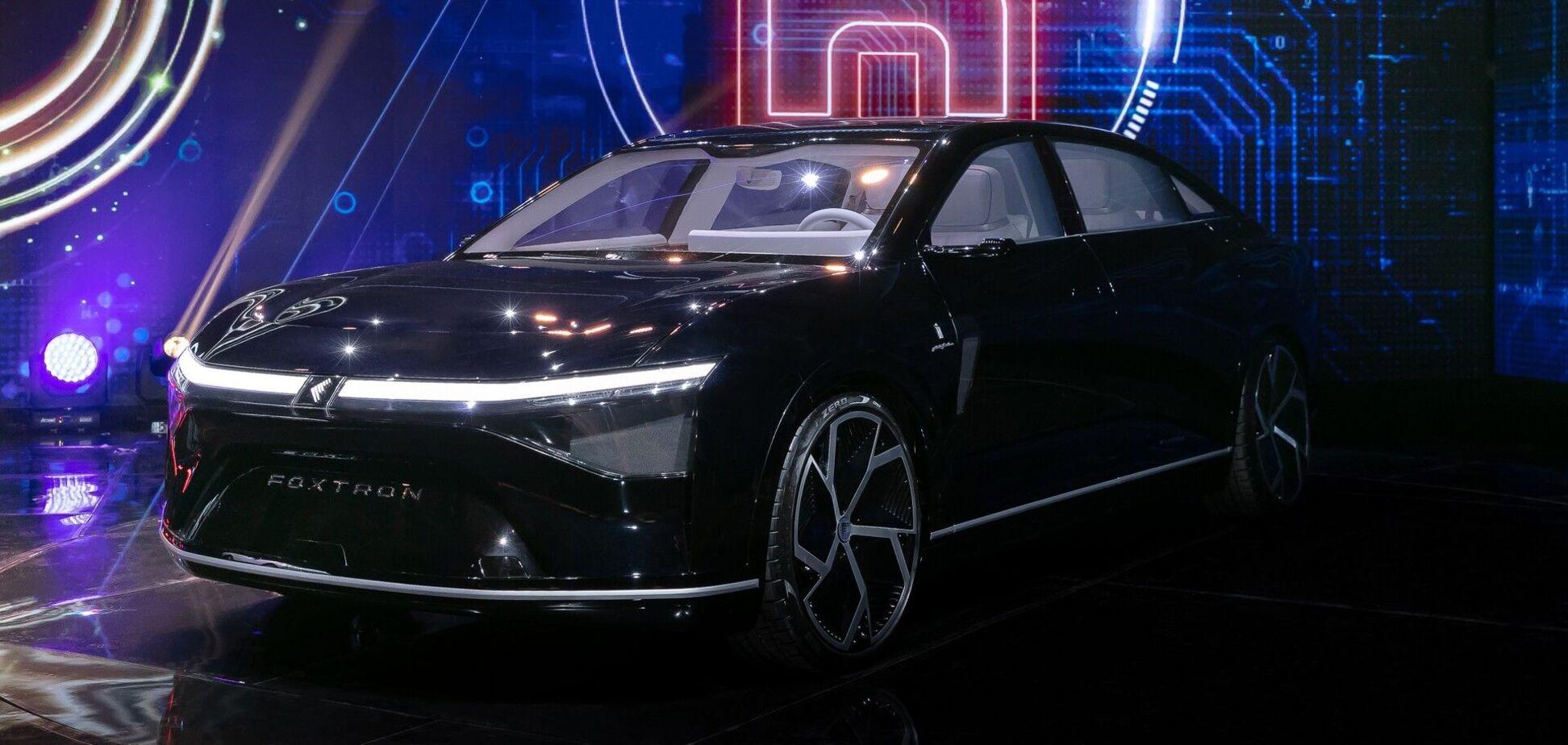 У Tesla новий конкурент: електромобілями займеться IT-гігант із Тайваню
