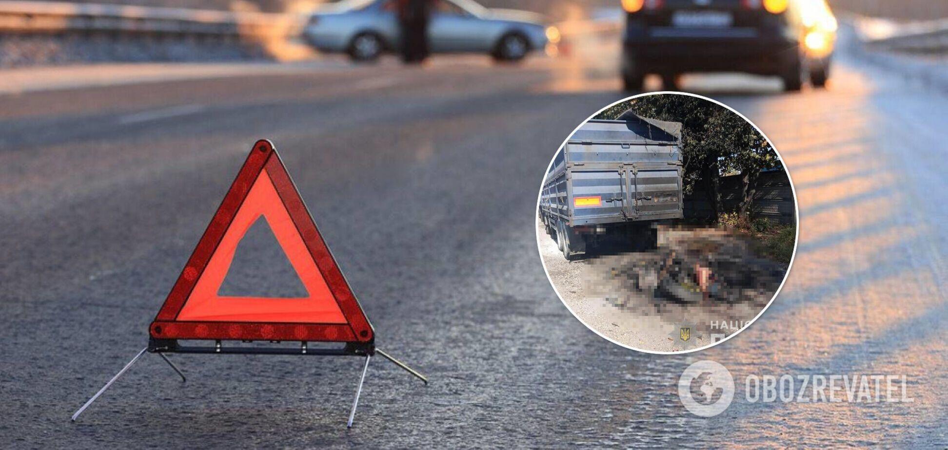 Під Вінницею мотоцикліст влетів у вантажівку: деталі й фото з місця смертельної ДТП