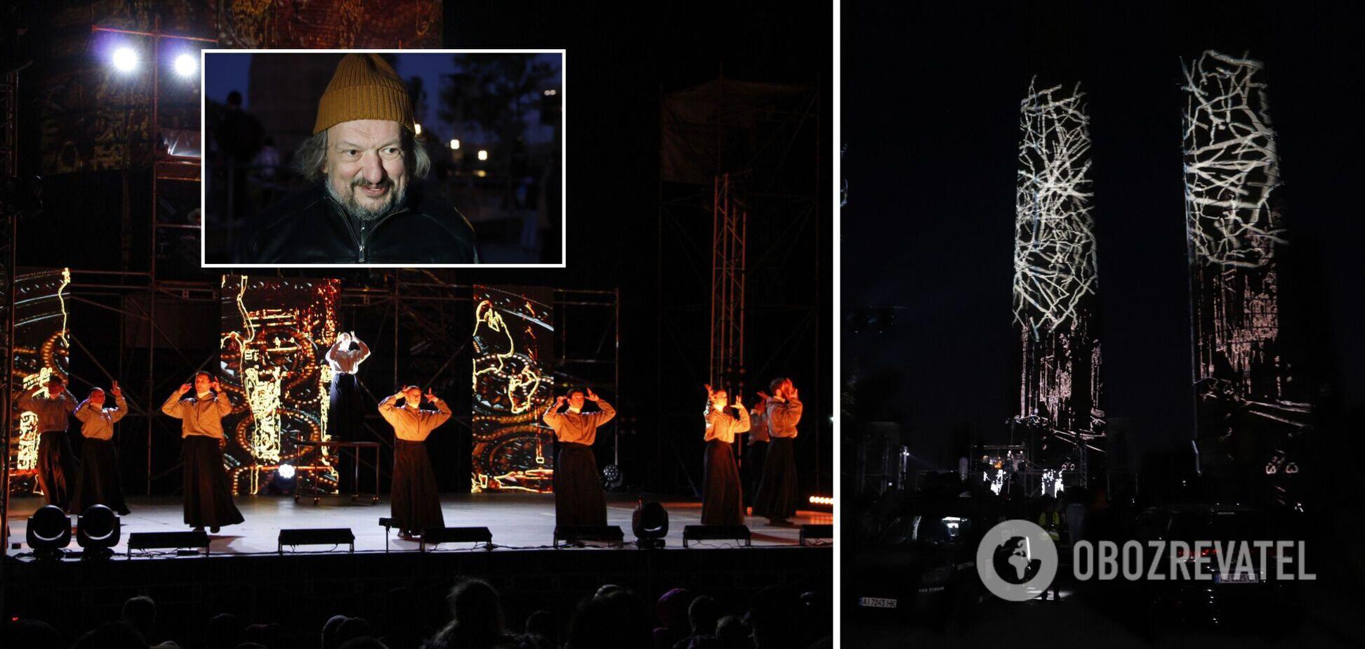 В Дніпрі у рамках 'DniPro ГогольFest' показали виставу 'ТРУ' від режисера Влада Троїцького