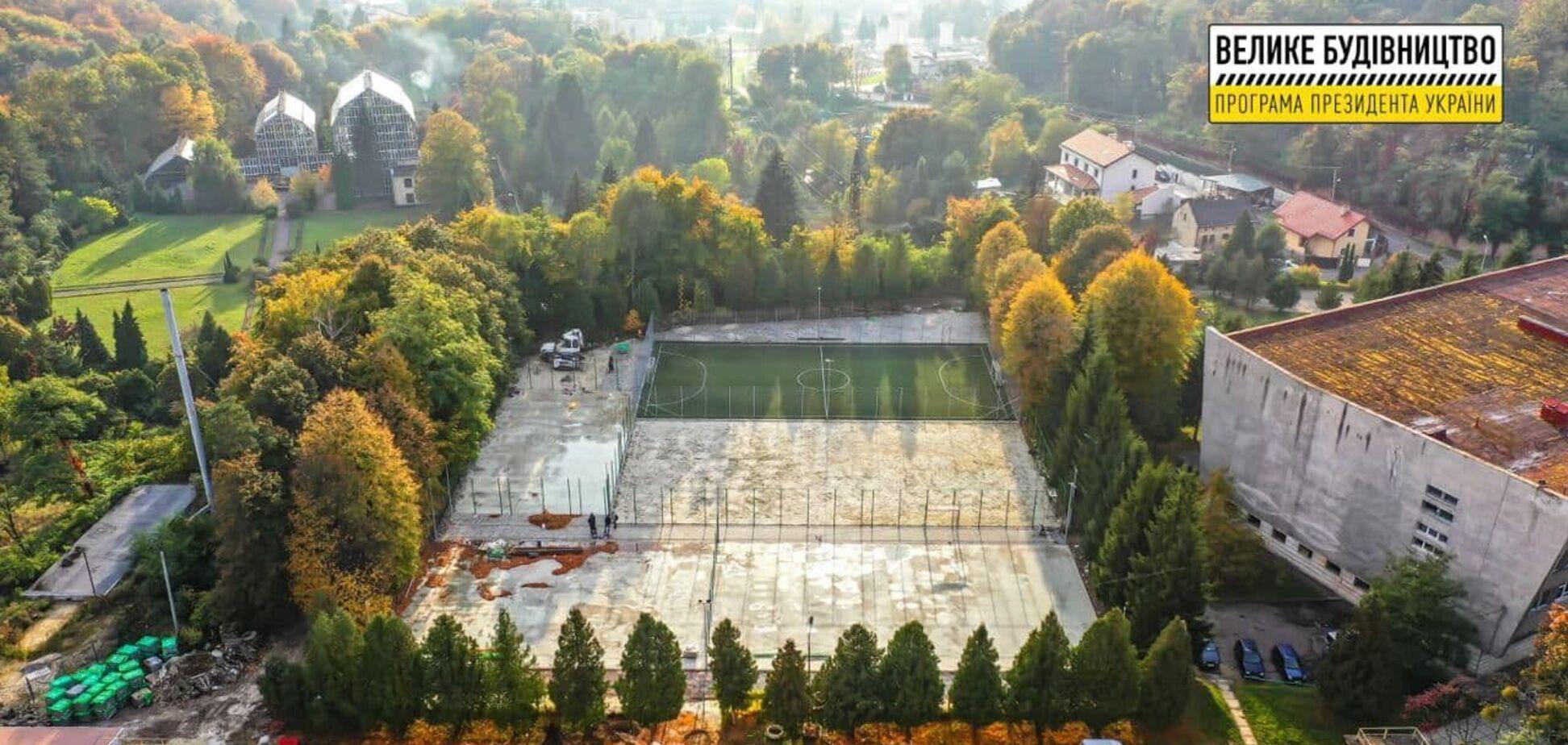 Во Львове отреконструируют спортивные площадки ЛНУ имени Франко