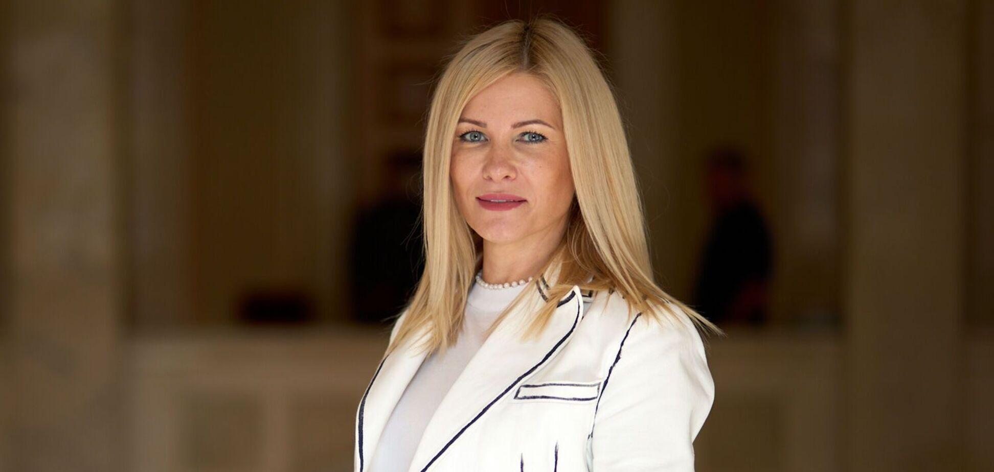 Нардепка від 'Слуги Народу' Юлія Гришина про українську освіту по-швейцарськи, відставку Разумкова та зарплати вчителів