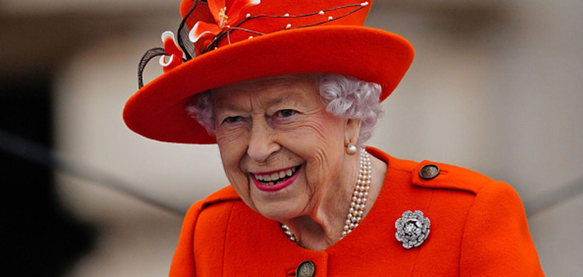 Єлизавета II вразила нарядом кольору гарбуза