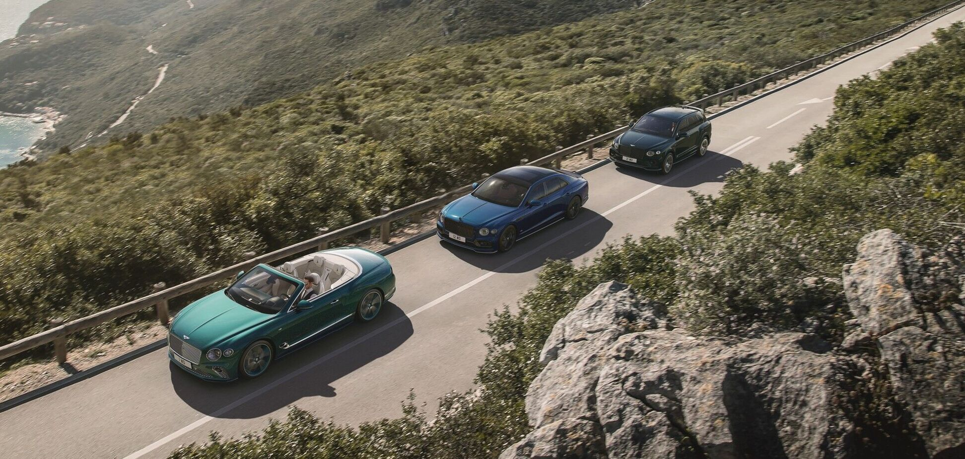 Bentley представит трио новых моделей из коллекций Mulliner