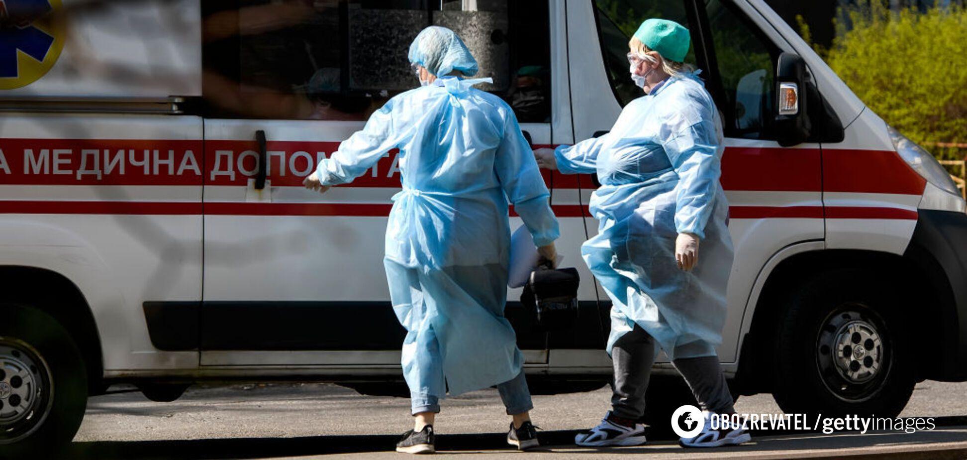 У Рівному чоловік із COVID-19 помер на порозі лікарні
