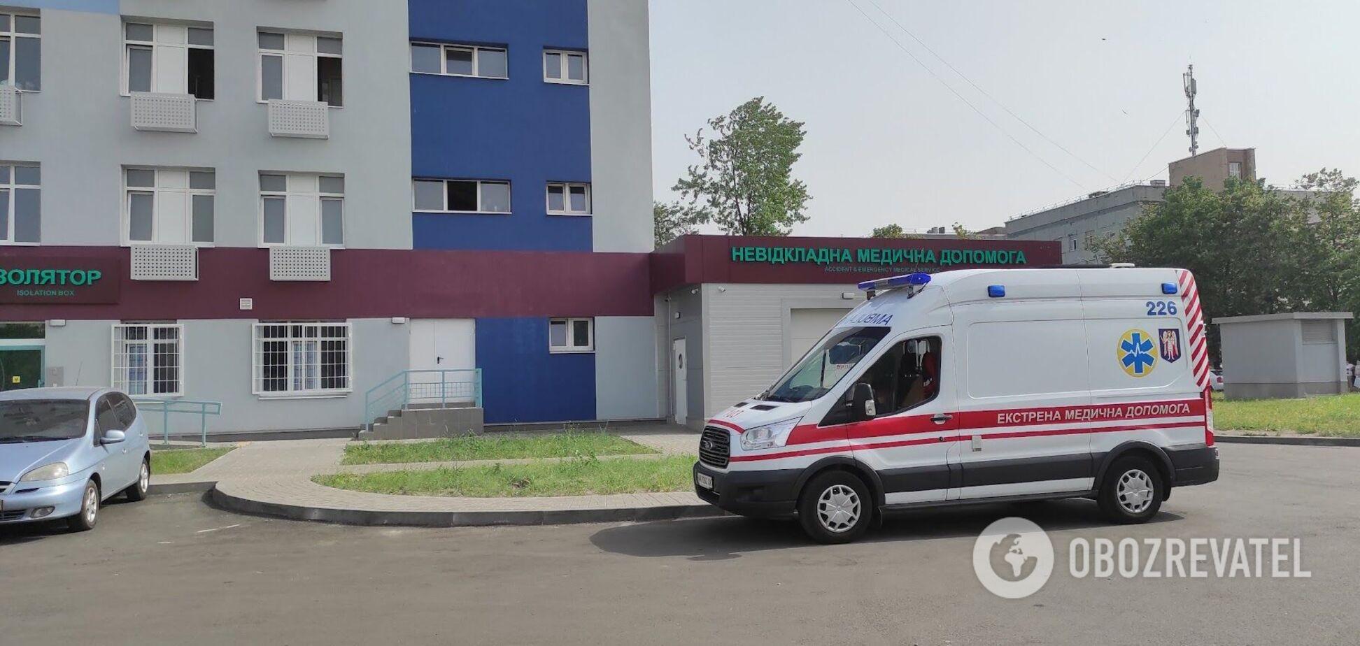 Пацієнтка розповіла про ситуацію з хворими на COVID-19 в столичній лікарні