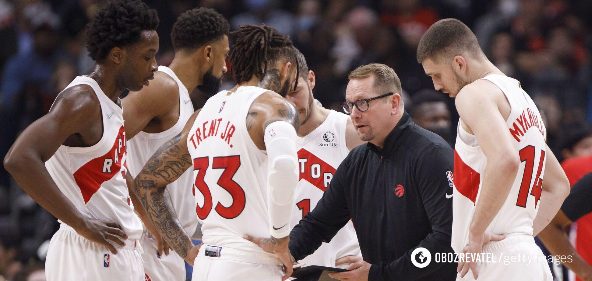 'Торонто Рэпторс' Михайлюка драматически проиграли 'Чикаго Буллз' в НБА