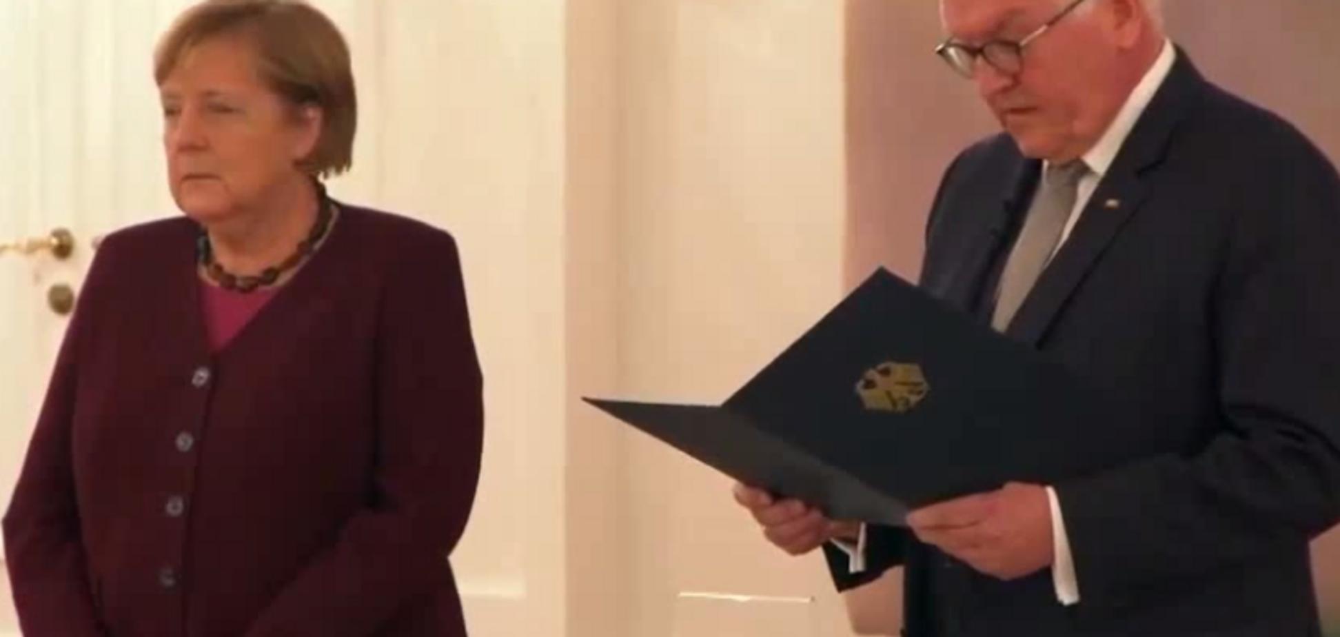 Германия официально принимает отставку Меркель