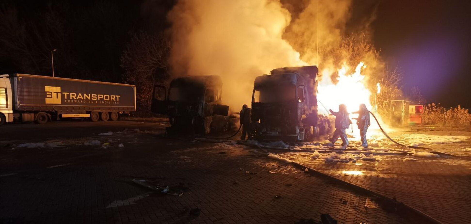 Пожар на заправке под Харьковом