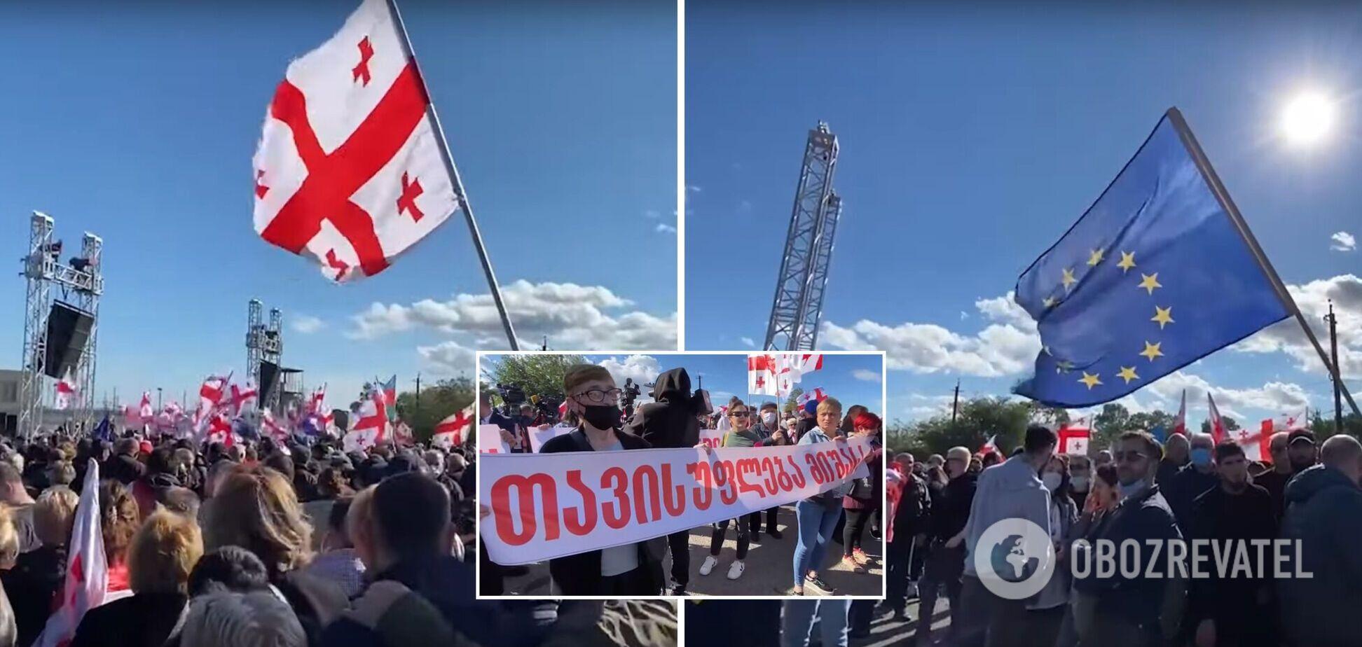 Сторонники Саакашвили окружили тюрьму, где он содержится. Видео и все подробности