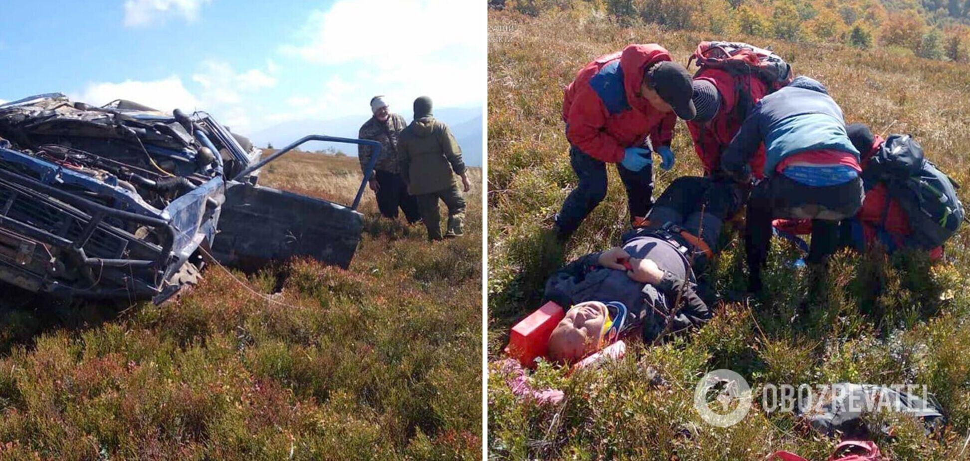 На Закарпатье водитель внедорожника не справился с управлением: авто скатилось с горы, есть пострадавшие. Фото