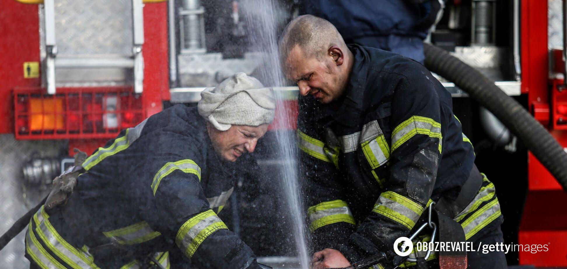 Рятувальники та лікарі евакуювали 13 пацієнтів