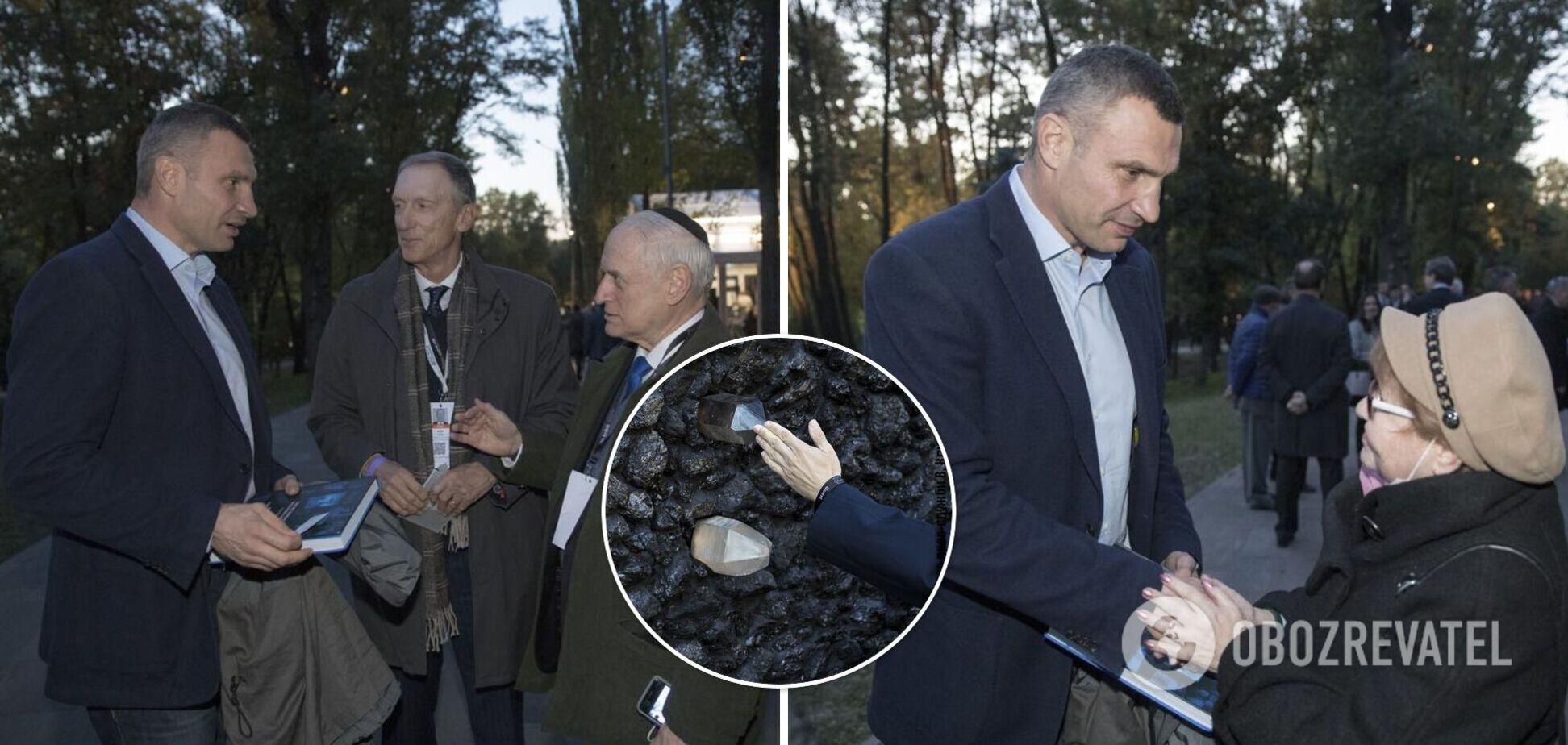 Кличко принял участие в открытии 'Кристаллической стены плача' в Бабьем Яру